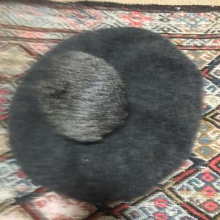 ジルスチュアート(JILLSTUART)の【送料込】JILL STUART ボンボン付ベレー帽(ハンチング/ベレー帽)