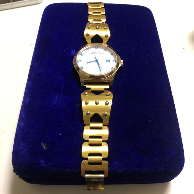 ヴィレッジヴァンガード 時計 偽物 574   MARC BY MARC JACOBS - マークジェイコブス   腕時計 ゴールド 金の通販