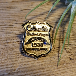 コロンビア(Columbia)のコロンビア Columbia ピンバッジ バッチ バッヂ(登山用品)