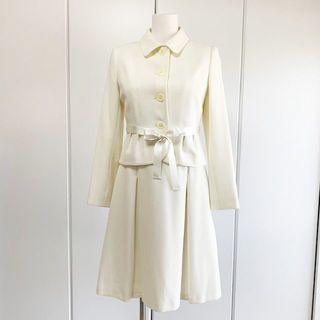 アルファキュービック(ALPHA CUBIC)の白のジャケット&ワンピース&スカートセット セレモニー ママ スーツ(スーツ)