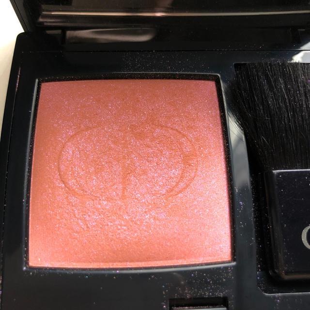 Dior(ディオール)のディオールスキン ルージュ ブラッシュ 601 ホログラム コスメ/美容のベースメイク/化粧品(チーク)の商品写真