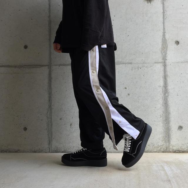 MIHARAYASUHIRO(ミハラヤスヒロ)のヴィンテージ 古着 サイドボタン トラックパンツ  メンズのトップス(ジャージ)の商品写真
