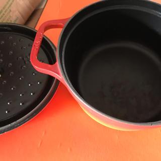 ストウブ(STAUB)のアルル様専用。ストウブ ココット 22センチ オレンジ(鍋/フライパン)
