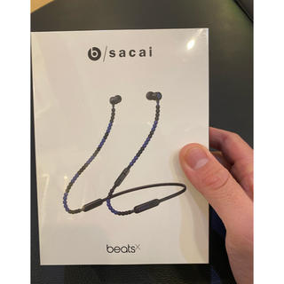 サカイ(sacai)の完全正規品 BEATS × sacai イヤフォン スペシャルエディション 黒(ヘッドフォン/イヤフォン)