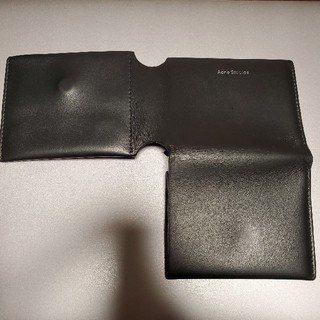アクネ(ACNE)の三つ折りカードウォレット ブラック(折り財布)