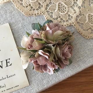 モーブバラとブルーグリーン、ベージュ紫陽花のコサージュ(コサージュ/ブローチ)