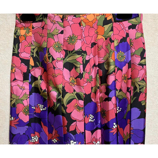 グッチ(Gucci)の●GUCCIグッチ18aw紫ピンク花柄シルクプリーツスカート42(ロングスカート)