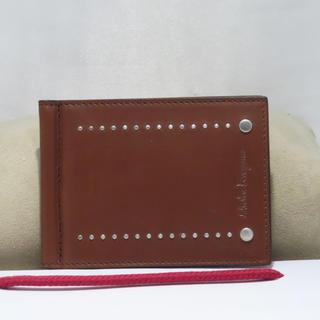 サルヴァトーレフェラガモ(Salvatore Ferragamo)のSalvatore ferragamo(折り財布)
