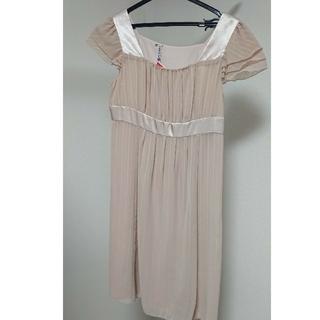 エニィスィス(anySiS)のワンピース ドレス(ミディアムドレス)