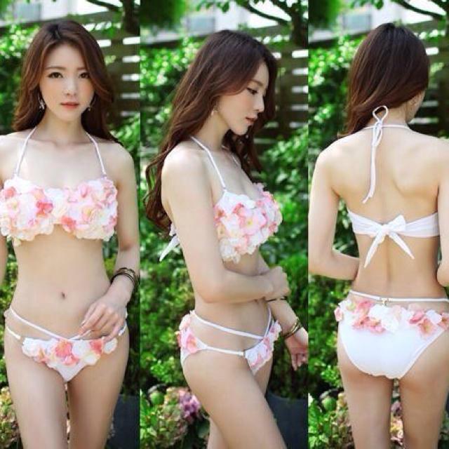 Sweet Passion(スウィートパッション)の新品☆フラワーお花3D水着2☆白ピンク レディースの水着/浴衣(水着)の商品写真