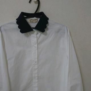 カワイイ(cawaii)のデザイン襟シャツ(シャツ/ブラウス(長袖/七分))