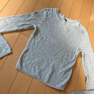 エイチアンドエム(H&M)のH&M XS グレー薄手ニット 春ニット(ニット/セーター)