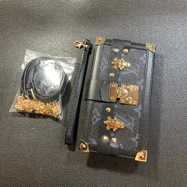 iphone se ケース 機能 - iPhone11 pro max 携帯ケース 手帳型 ショルダーストラップ付きの通販 by you's  shop|ラクマ
