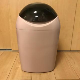 コンビ(combi)のオムツゴミ箱(紙おむつ用ゴミ箱)