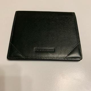 ジバンシィ(GIVENCHY)のGIVENCHY 二つ折り財布 ダークグリーン(折り財布)