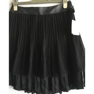 アンタイトル(UNTITLED)の新品タグ付き アンタイトル ブラックプリーツスカート (ひざ丈スカート)