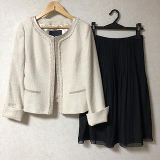 アンタイトル(UNTITLED)のUNTITLED美品ジャケットと、ジェイプレス(オンワード樫山)美品黒スカート(スーツ)