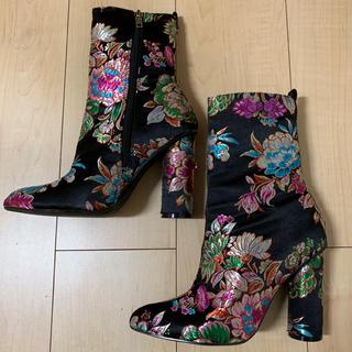 イエローブーツ(Yellow boots)の未使用 yello チャイナフラワー 総刺繍 ブーツ 黒/CHINA TOWN(ブーツ)