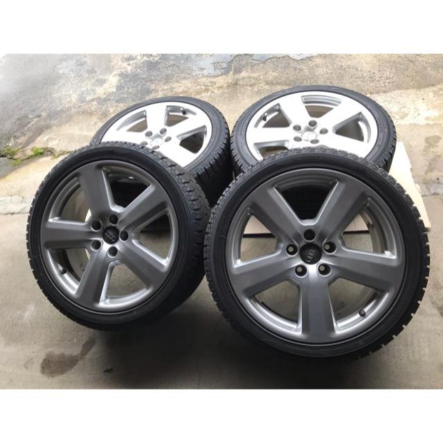 AUDI(アウディ)のアウディ純正A4 Sライン スタッドレスセット 自動車/バイクの自動車(タイヤ・ホイールセット)の商品写真