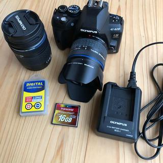 オリンパス(OLYMPUS)のolympus E-620 ダブルレンズ、予備電池、メモリーカード、充電器付き(デジタル一眼)