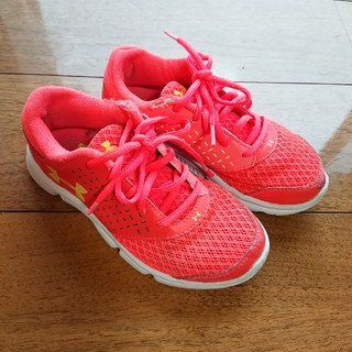UNDER ARMOUR - UNDER ARMOUR 19.0cm 難あり