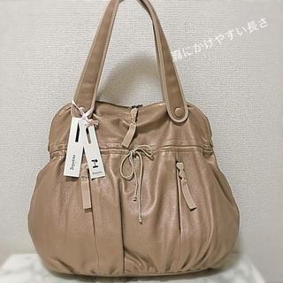 レペット(repetto)のレペットのショルダーバッグです。通勤、通学、習い事に使いやすい形です。(ショルダーバッグ)