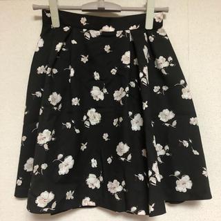 レッセパッセ(LAISSE PASSE)の花柄スカート(ひざ丈スカート)