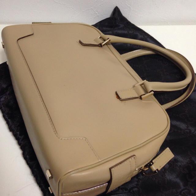 Gucci(グッチ)のグッチ★マイクロGG レザー ベージュ レディースのバッグ(ハンドバッグ)の商品写真