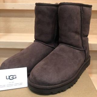 アグ(UGG)の最終値下げUGG ムートンブーツ 新品 classic チョコ(ブーツ)