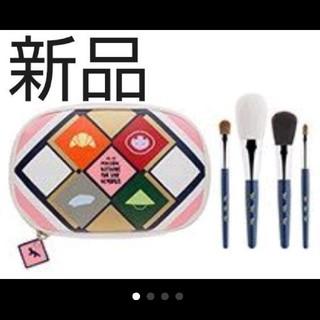 メゾンキツネ(MAISON KITSUNE')の新品 限定 shu uemura シュウウエムラ メゾンキツネ ブラシセット(コフレ/メイクアップセット)