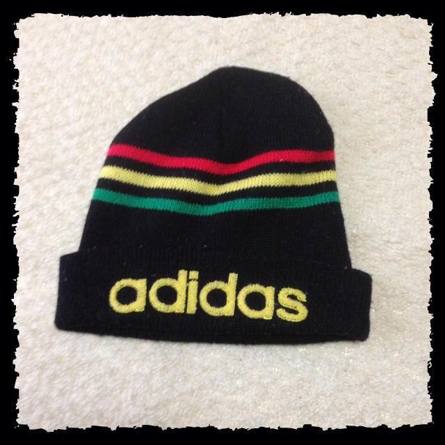 adidas(アディダス)のadidas☆ニット帽 レディースの帽子(ニット帽/ビーニー)の商品写真