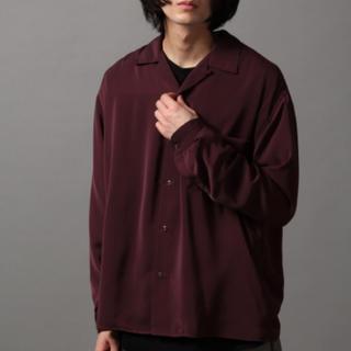 ハレ(HARE)のサテンオープンネックシャツ(シャツ)
