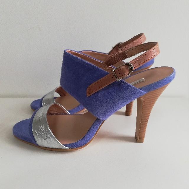 VII XII XXX(セヴントゥエルヴサーティ)の美品!!セブントゥエルブサーティ 本革スエードサンダル 23.5cm  レディースの靴/シューズ(サンダル)の商品写真