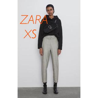 ザラ(ZARA)のZARA ベルト付き レザー 風パンツ XS(カジュアルパンツ)