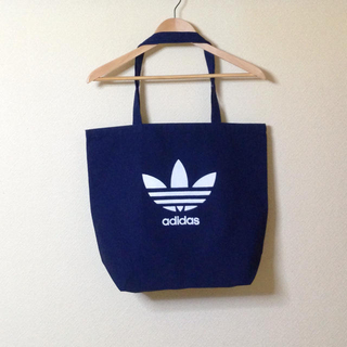 アディダス(adidas)のロゴトートバッグ★(トートバッグ)