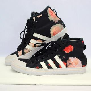 adidas スニーカー 柄