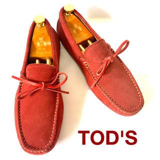 トッズ(TOD'S)のTOD'S ドライビングシューズ レッド uk6(24.5cm相当)(デッキシューズ)