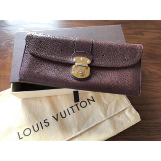 ルイヴィトン(LOUIS VUITTON)の LOUIS VUITTON マヒナポルトフォイユ クラッチアメリア アカジュー(財布)