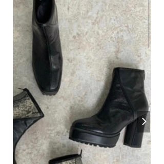 アンビー(ENVYM)のENVYM スウィッチングショートブーツ(ブーツ)