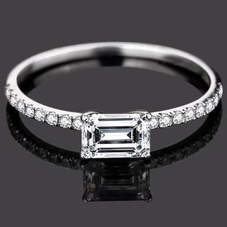 【newデザイン 】輝くエメラルドカット モアサナイト  ダイヤモンド リング(リング(指輪))