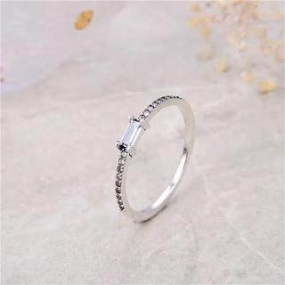 【newデザイン】輝くエメラルド モアサナイト ダイヤモンド リング(リング(指輪))