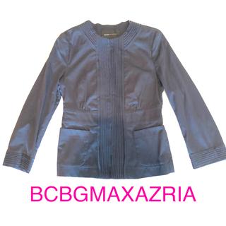 ビーシービージーマックスアズリア(BCBGMAXAZRIA)の 値下げ 新品 未使用 薄手 BCBG コットンジャケット ネイビー 濃紺(ノーカラージャケット)