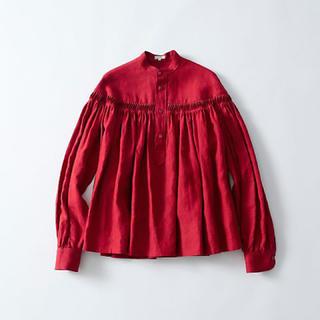 サイ(Scye)のあいさま専用 新品 scye サイ リネン タックブラウス 赤 長袖 (シャツ/ブラウス(長袖/七分))