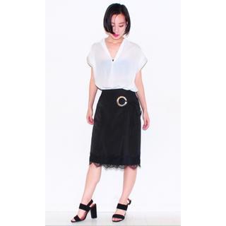 アナップ(ANAP)の黒ブラック張りハリツヤサテンフラワーレースリボン巻きスカートラップスカート(ひざ丈スカート)
