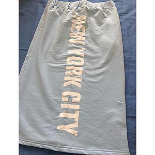 アナップ(ANAP)の未使用ANAPロゴ入りスウェットスカート(ひざ丈スカート)