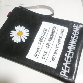 ピースマイナスワン(PEACEMINUSONE)の👑BIGBANG G-DRAGON ペイントポーチ👑落書きポーチ(アイドルグッズ)
