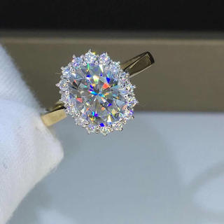 【newデザイン】輝くオーバル モアサナイト ダイヤモンド リング K18(リング(指輪))