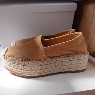 ベルシュカ(Bershka)の値下げしました!Bershkaスエード靴(スリッポン/モカシン)