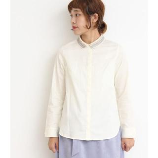 ビュルデサボン(bulle de savon)のNOIR ビーズ刺繍アシメ衿 dressシャツ(シャツ/ブラウス(長袖/七分))