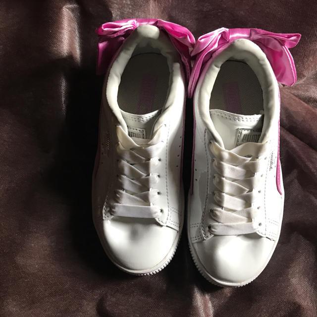 PUMA(プーマ)のプーマ リボン スニーカー キッズ/ベビー/マタニティのキッズ靴/シューズ(15cm~)(スニーカー)の商品写真